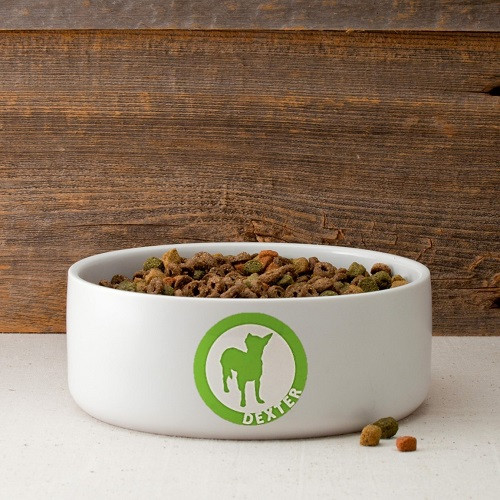 This dog bowl features a dog silhouette inside a circle outline with your dog's name. Choose from 40 breeds silhouettes and 9 colors. This customized dog bowl can serve food to your little puppy in an endearing manner. Featuring a ceramic construction an #food