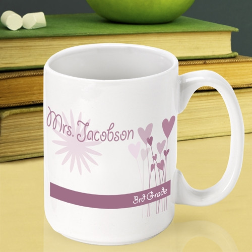 A great teacher deserves a great gift! This custom mug is the perfect way to say thank you. Express gratefulness to a special teacher with our custom Hearts and Flowers teachers mug. A custom coffee cup makes a perfect end of school year thank you gift. #mug