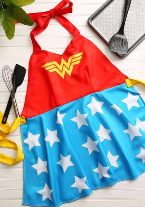 This Wonder Woman fashion apron is perfect to wear while whipping up your favorite Halloween Treats. #fashion