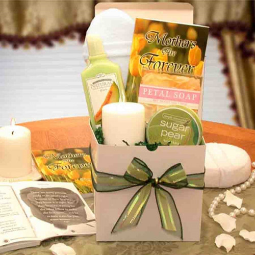 Show mom that your love is forever with this gift! Indulge any Mom in your life with our ultimate spa set! This sweet gift box comes brimming with revitalizing surprises and includes a heart warming book entitles Mothers Are Forever. Perfect for a birthda #gift