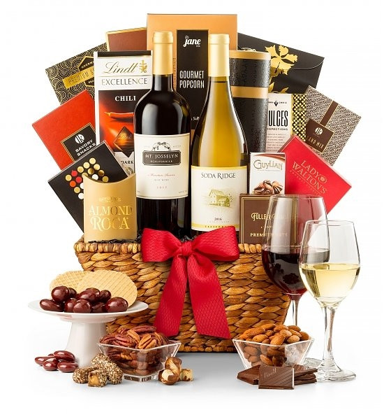 A chic choice featuring two top wines, Cabernet Sauvignon & Chardonnay, from the acclaimed Lodi wine region near San Francisco. Included are Aaron Bell Crackers, Auberge Camembert Cheese Spread & Brown & Haley Almond Roca with other savory snacks. #gift
