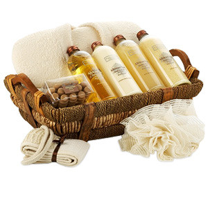 De stress and pamper your loved ones with this basket featuring 1 Towel, bath accessories such as loofas, sponges/scrubs, body brushes, bath shower gel, organic shampoo, body wash, hair conditioner. In the rare event that a substitution is necessary, we m #gift