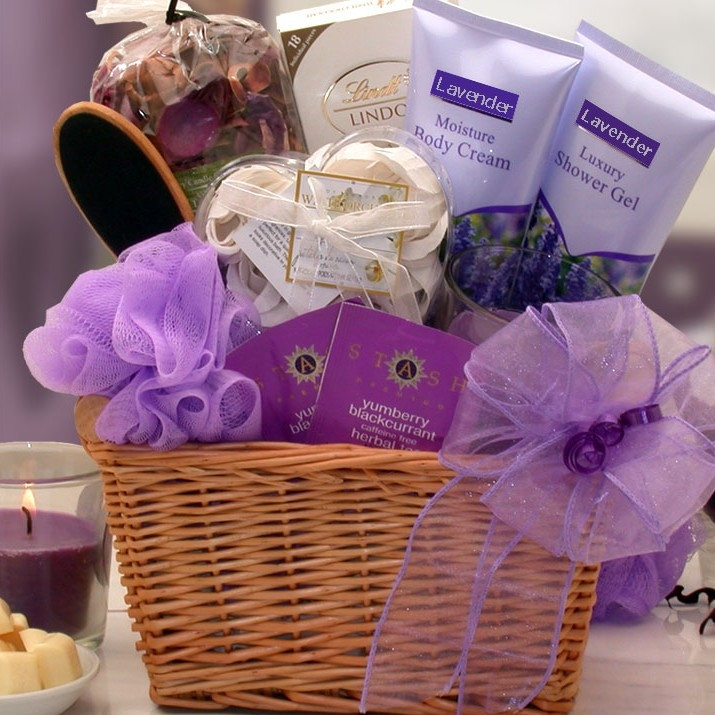 Enjoy the scent of lavender and satisfy your sweet tooth. Flowering French lavender will surround her with it's soothing and relaxing properties while the decadent Lindt white chocolate bar will nourish her sweet tooth. We've included moisture rich body c #gift