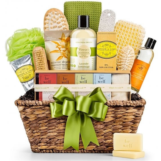 Give a gift of rest and relaxation. Organic and dye-free spa products are artfully arranged in a keepsake basket to achieve much-deserved harmony and well being. A nourishing and complete spa experience awaits the body, mind and soul with this abundant an #gift