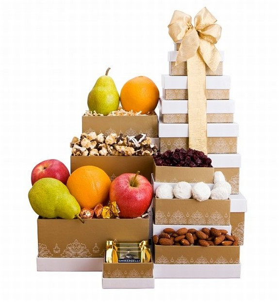 A perfect gift for business associates! Our Classic Fruit Tower makes a perfectly simple, yet elegant, gift for business associates or anyone on your gift list this season! Seven keepsakes boxes are adorned in gold and hold an abundance of orchard fresh #gift