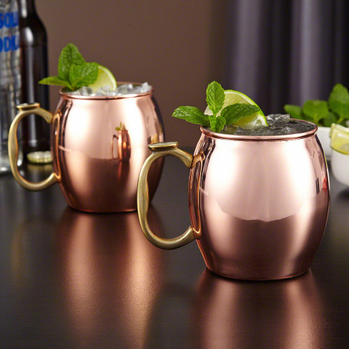 Unwind after a long day with a Moscow Mule and a pal with our set of 2, 20 oz Moscow Mule Mugs. Making an excellent gift for anniversaries, housewarming parties, or anniversaries, these copper mugs are sure to keep your cocktails ice cold well after your #%20
